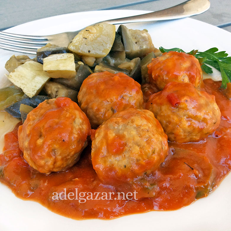 Albóndigas con tomate ligeras
